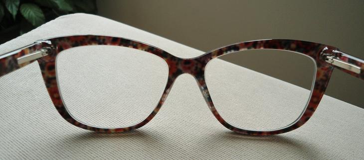 O modelo do óculos D G é DG 3190 2789 54  16 140. Esse número depois do  quadrado, que é 16 no meu, significa o tamanho da ponte. É super importante  ficar de ... 695f64fbca
