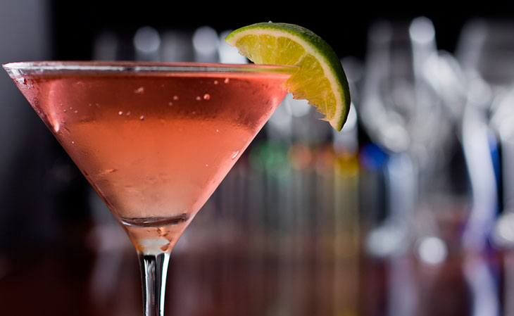 Drinks com vodka: Cosmopolitan