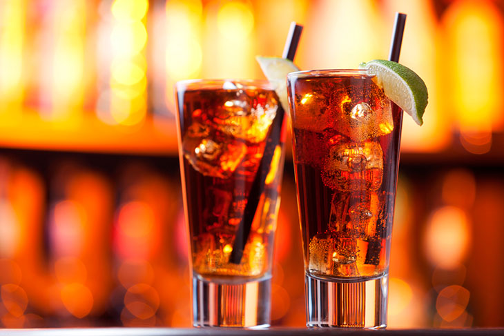 drinks com vodka: long island iced tea