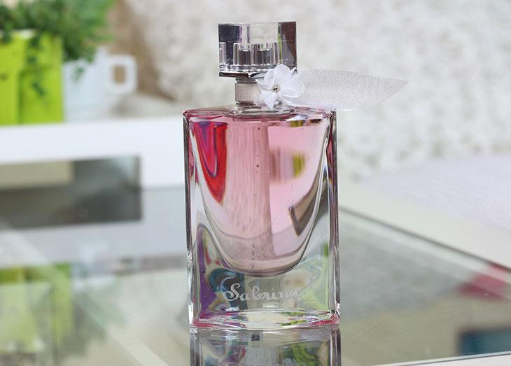 perfume la vie est belle florale promo de dia das m es. Black Bedroom Furniture Sets. Home Design Ideas