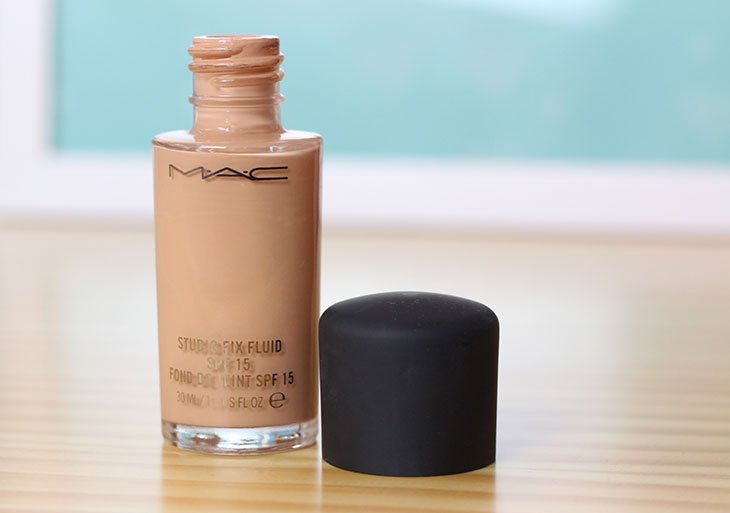 Resenha: Base Studio Fix Fluid MAC
