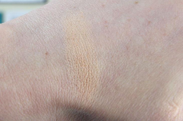 Pó compacto BB Blur Effaclar La Roche-Posay: testei na pele oleosa!