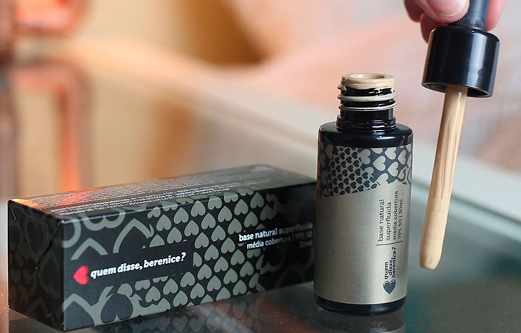 Testei na pele oleosa: nova base Superfluida quem disse, berenice?